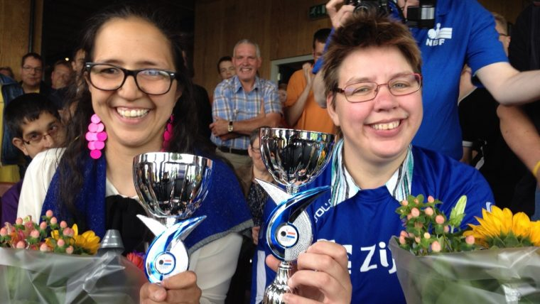 Yvette Aijal Nederlands kampioen G-bowlen bij de dames