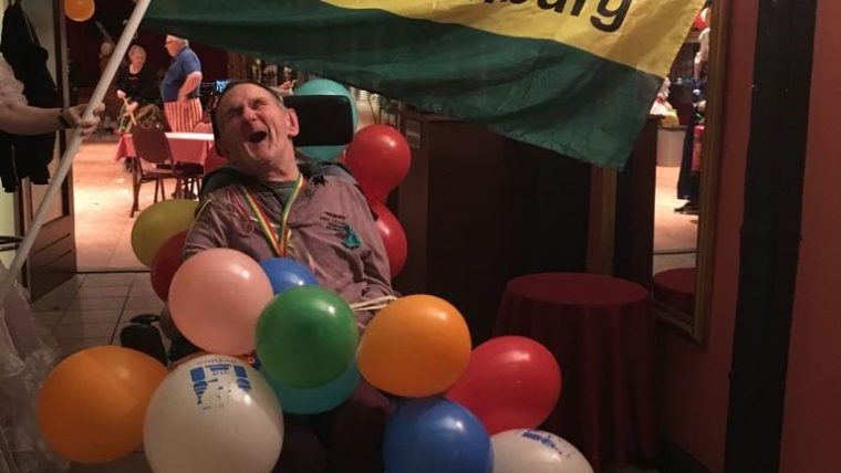 Van sneeuwpop tot prinses en van clown tot cowboy. In de Waag in Nietap werd afgelopen zaterdag Carnaval gevierd.